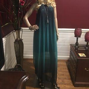 👻Venus👻 NWOT Size Med Long a dress